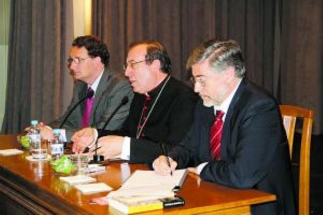 El arzobispo anima a cursar Religión