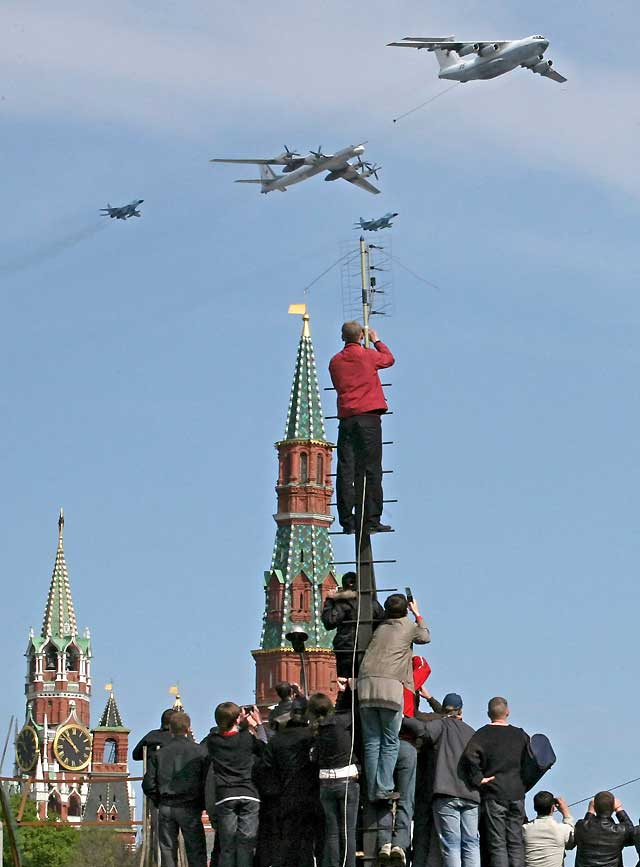 El kremlin vuelve a exhibir misiles intercontinentales por primera vez tras el fin de la URSS