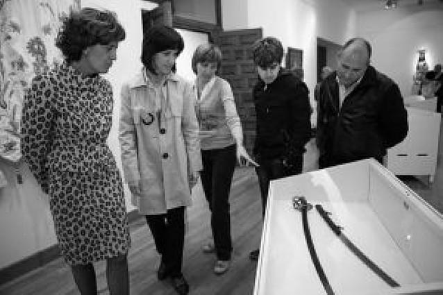 La colección de la Basílica del Puy sale a la luz en una exposición