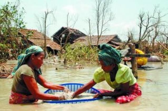 La Junta Militar birmana confiscó la ayuda humanitaria y la ONU aplazó las entregas