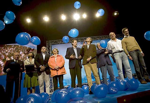 """Rajoy anuncia que """"tendrá muy cerca"""" a gente del PP valenciano en su nuevo equipo"""