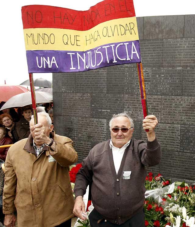 Sartaguda inaugura ante miles de asistentes el Parque de la Memoria