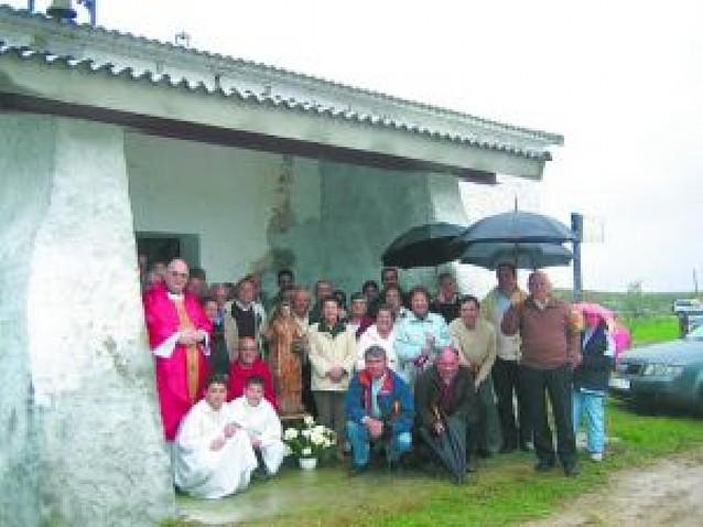 La lluvia no impidió la peregrinación a la ermita de San Esteban en Azagra