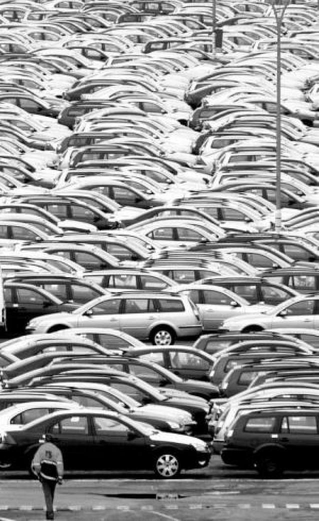 La escalada del crudo castiga a los fabricantes de vehículos en EE UU