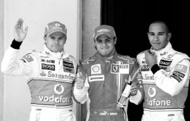 Pole de Massa y Alonso séptimo