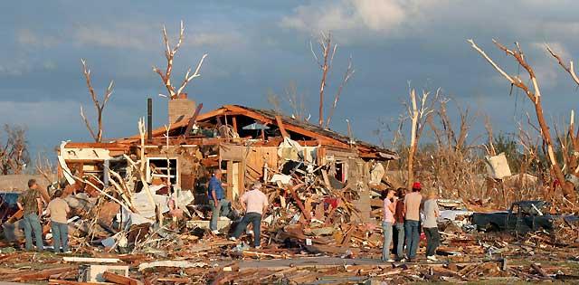 Los tornados dejan al menos 17 muertos en EEUU