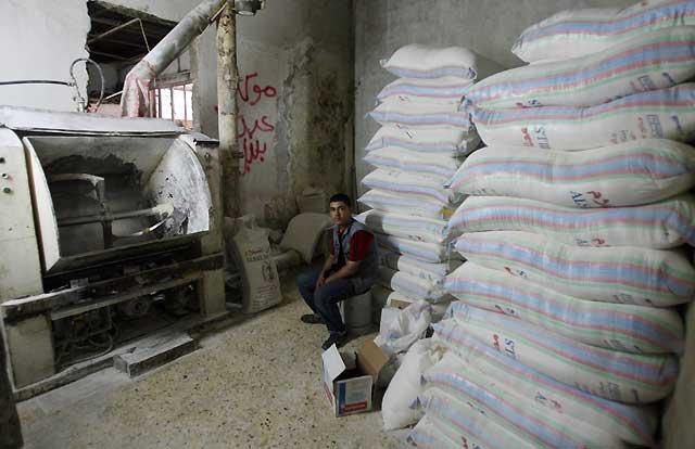 Un tercio de Gaza continúa sin luz ni pan