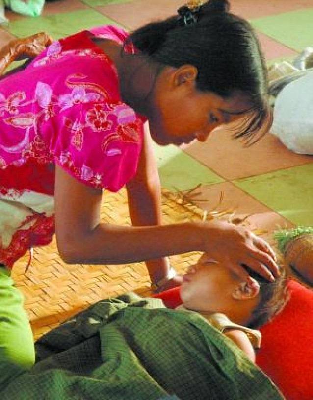 La Junta birmana presume de votos y se olvida del ciclón