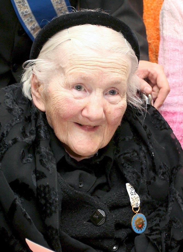 Muere Irena Sendler, la heroína que salvó la vida de 2.500 niños judíos