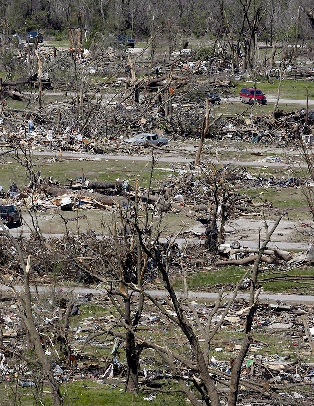 Se mantiene la alerta en EE UU tras la muerte de 20 personas por tornados y tormentas