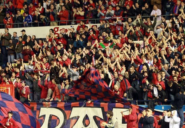 El Racing-Osasuna y el resto de partidos con algo en juego se disputarán el domingo a las 18.00 horas
