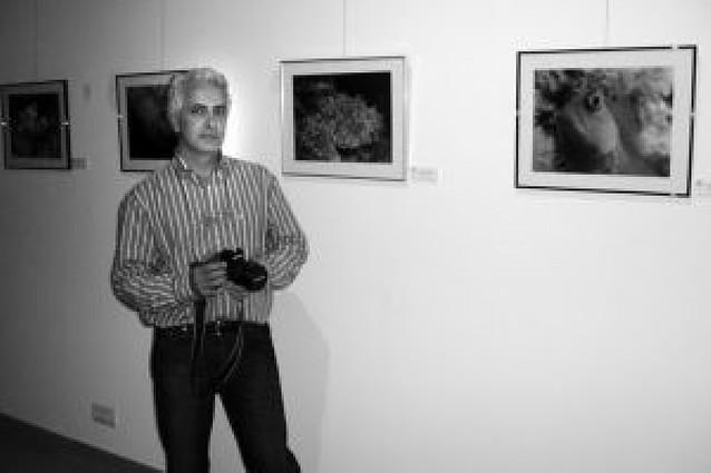 Un profesor de La Milagrosa presenta una exposición de fotos submarinas