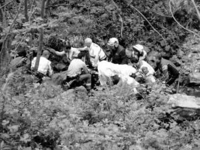 Rescatado un ciclista que cayó a un barranco en Bera