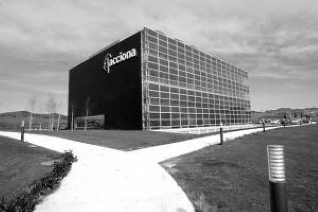 Endesa confirma que fusionará en junio sus renovables con Acciona