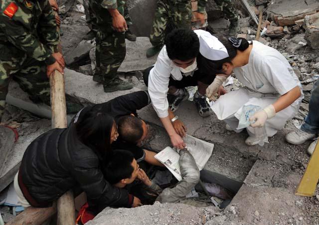 El número de fallecidos por el terremoto en China alcanza ya casi los 12.000 en Sichuan