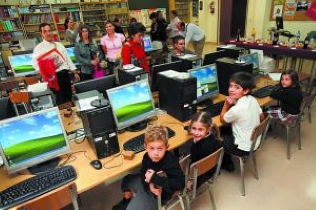 El colegio Compañía de María estrenasu nueva sala de informática