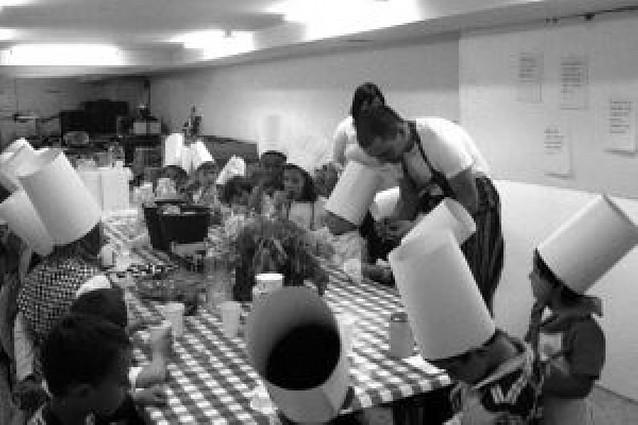 Curso de cocina para 38 niños
