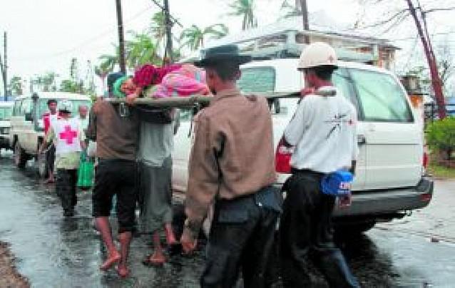 La junta birmana rechaza a los extranjeros