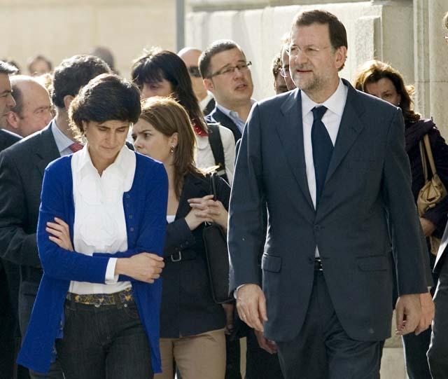 Rajoy y San Gil celebran una reunión en un hotel de la capital alavesa