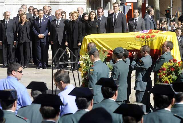 Vitoria y Málaga dan el último adiós al guardia civil asesinado por ETA