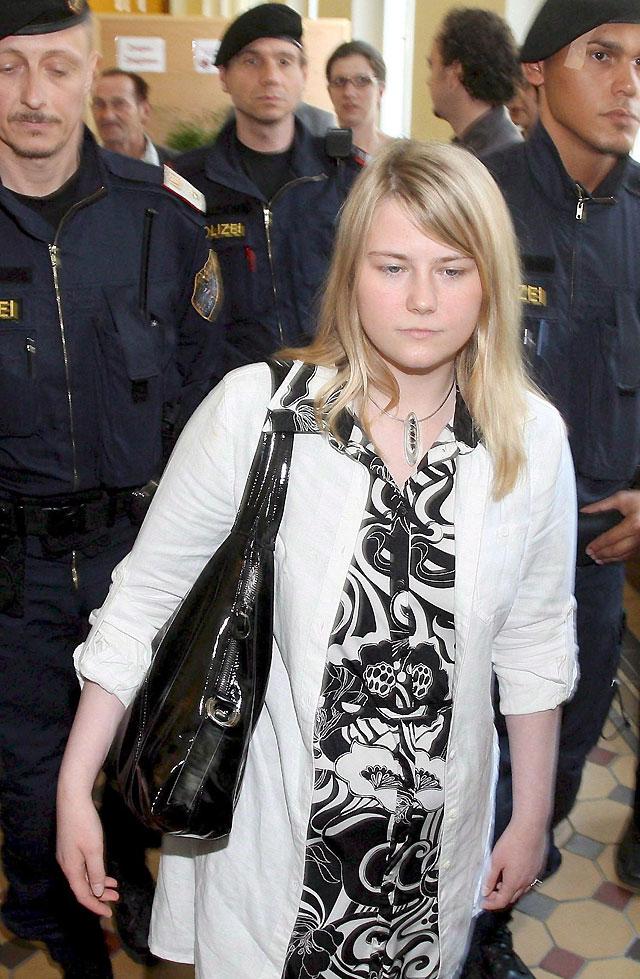 Natascha Kampusch comparece por primera vez ante la justicia