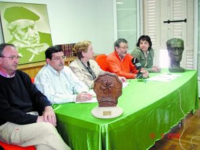 La Asociación Irujo Etxea entregará su premio anual a Benito Lertxundi