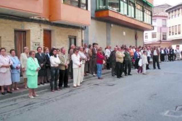Concentraciones en la comarca en contra del atentado de ETA