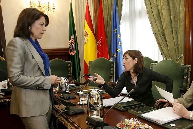 """El Ayuntamiento de Pamplona aprueba la crítica a la """"injerencia"""" de Ibarretxe en Navarra"""