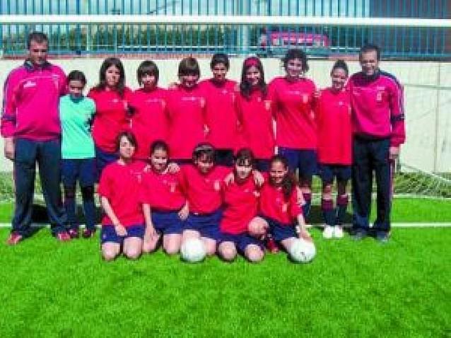 El equipo cadete femenino del C.D. Vianés se proclama campeón de copa y liga