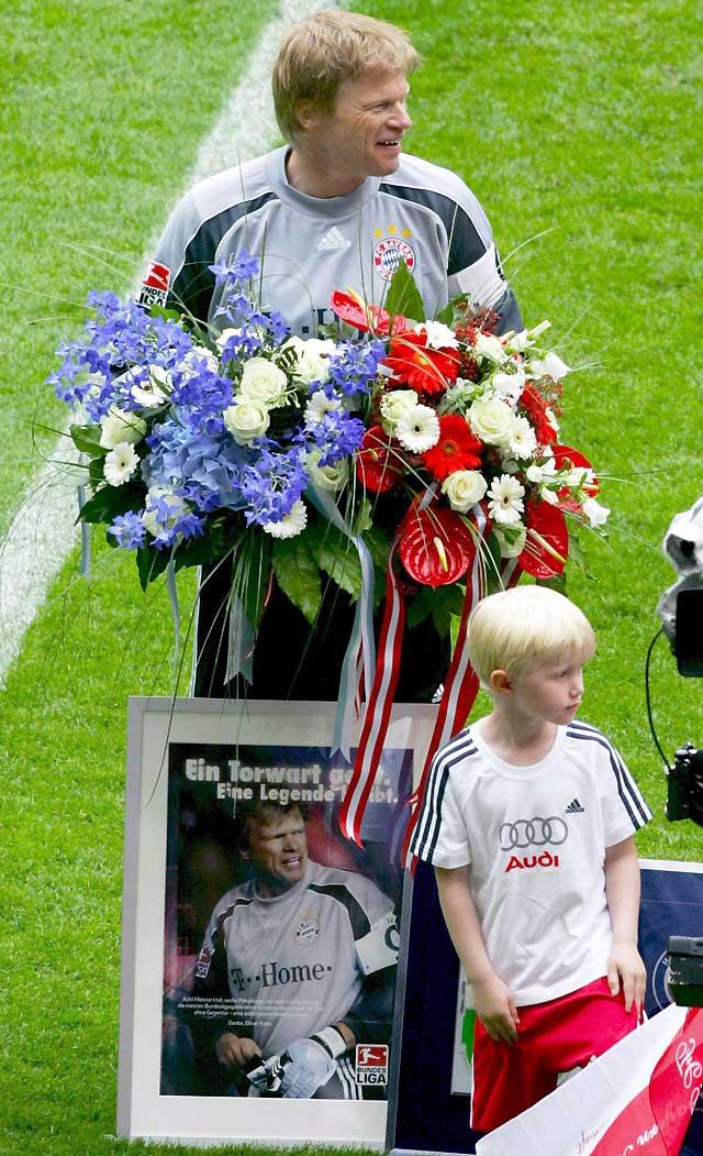 El Bayern despide a Kahn y a Hitzfeld con una fiesta de goles