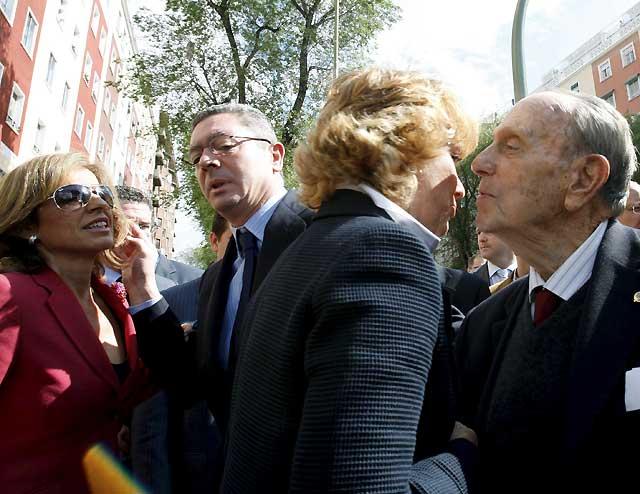 Abucheos a Gallardón y vítores a San Gil y Aguirre en la inauguración del Monumento a las Víctimas del Terrorismo en Madrid