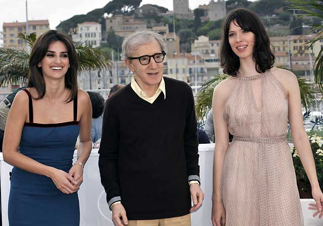"""Penélope Cruz agradece en Cannes a Woody Allen su """"genialidad"""""""