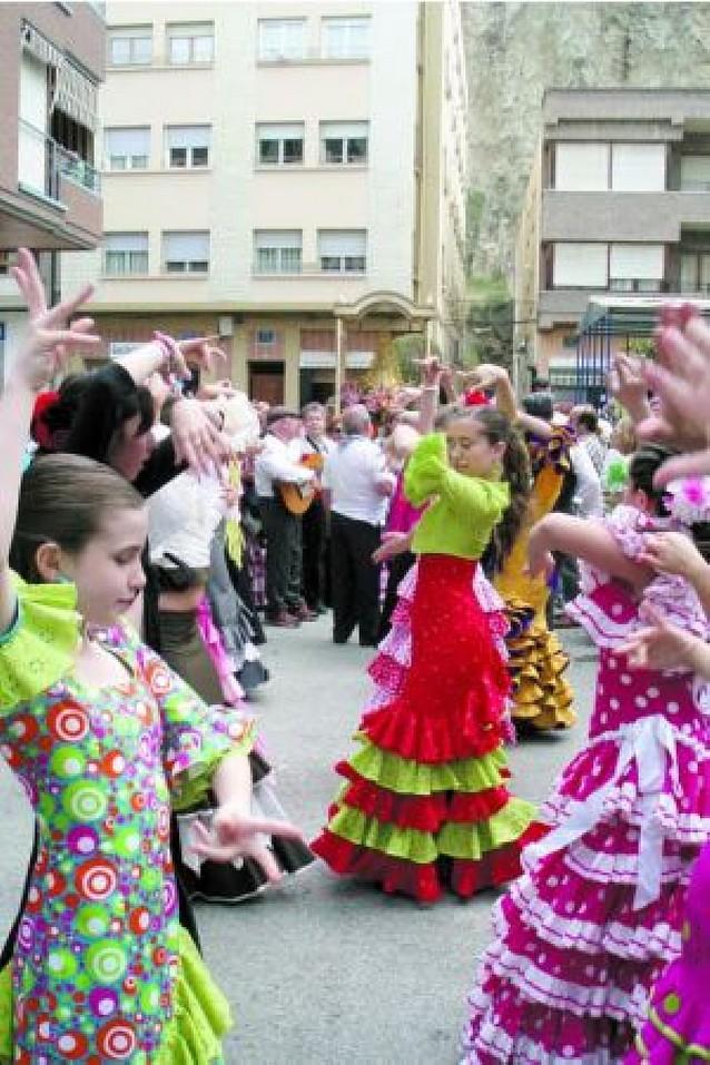 Azagra emula a Almonte con centenares de romeros devotos de la Virgen del Rocío