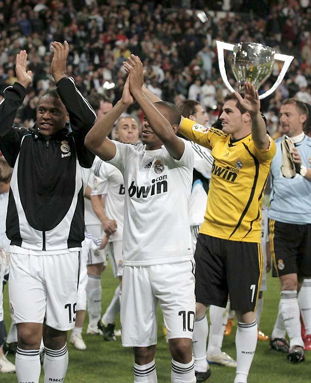 Fin de curso escolar para el Real Madrid con una goleada y fiesta (5-2)
