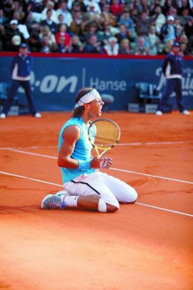 Nadal gana a Federer en Hamburgo tras una remontada increíble