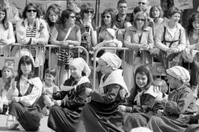 La fiesta de la escuela pública vasca reunió en la Taconera a 20.000 personas