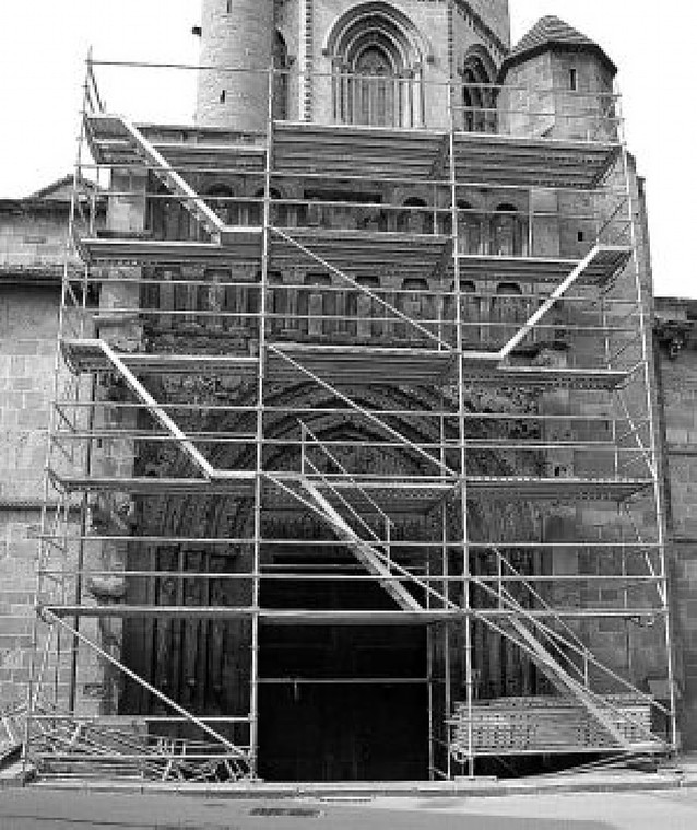 Primeros pasos de la reforma de Santa María la Real de Sangüesa