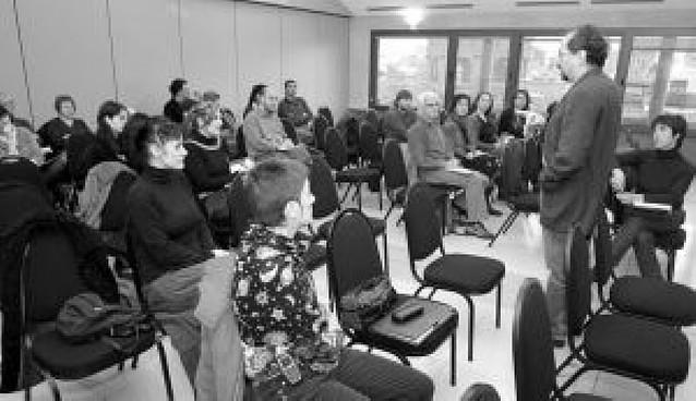 Corpas asegura que la Red de Teatros de Navarra estará operativa en 2009