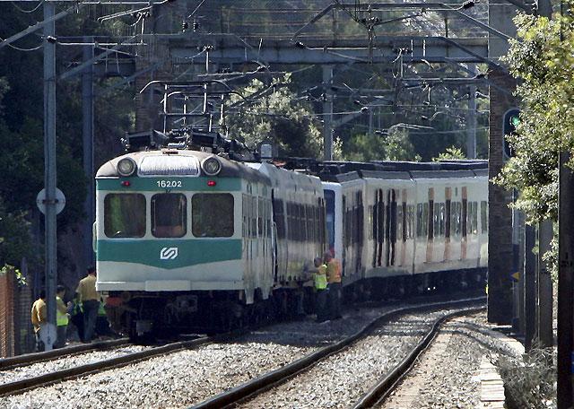 Cuatro heridos leves en el choque por alcance de dos trenes en línea del Vallés