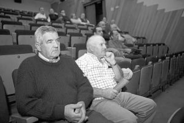 Los agricultores de Los Arcos se informan sobre los regadíos