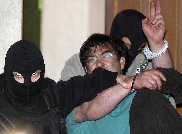 La policía francesa concluye el registro del piso de ETA en Burdeos