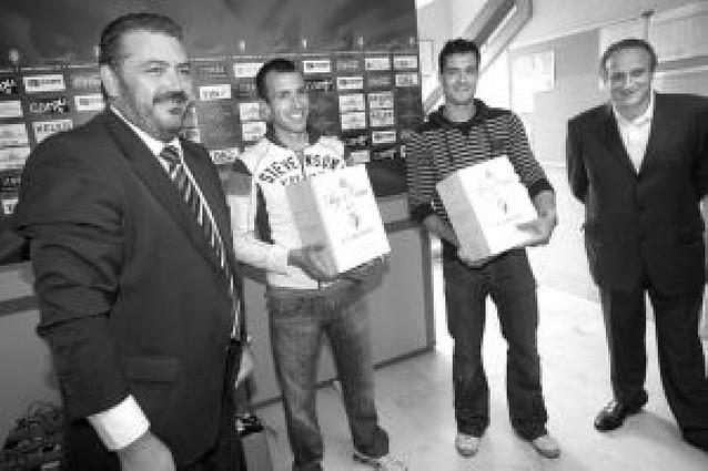 El Arsenal confirma en su web oficial que Vela hará la pretemporada