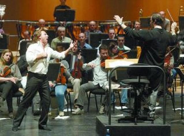 El tenor Roberto Alagna actúa el domingo con la OSN en el Baluarte