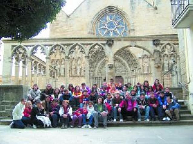 Alumnos de Orense, Granada y Madrid visitan la Comunidad foral