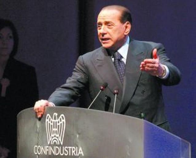 Berlusconi promete volver a la energía nuclear
