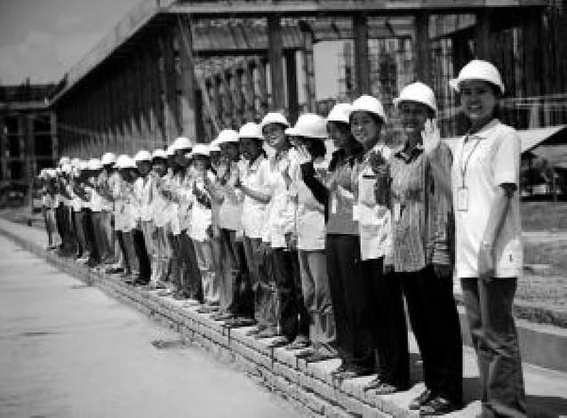 La junta militar de Birmania deja entrar a los voluntarios, 22 días después del ciclón
