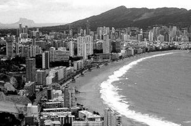 Discapacitados denuncian que hoteles de Benidorm rechazan darles alojamiento