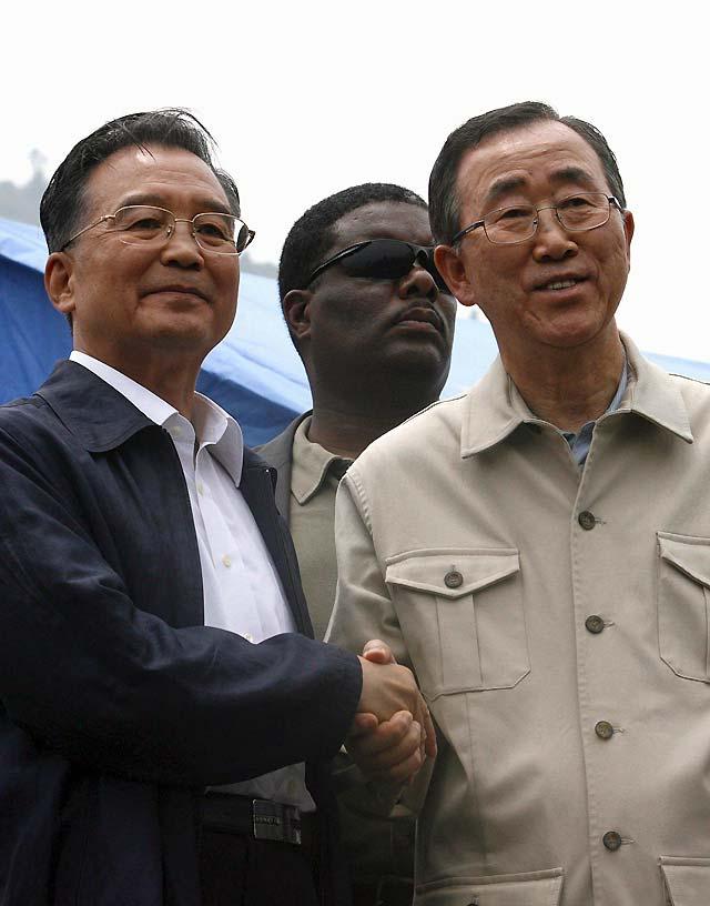 El primer ministro chino confirma 60.000 muertos por el seísmo y teme un total de 80.000