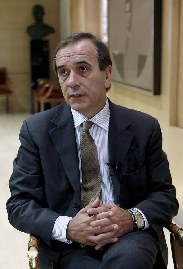 """Alonso dice que el PNV está metido en un """"problema muy serio"""" con la propuesta de Ibarretxe"""