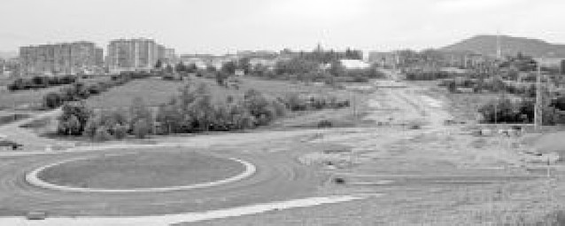 Aranguren estudia la promoción de 1.000 viviendas junto a Mendillorri